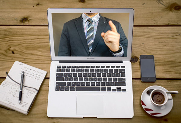 リモートワークをするために、会社が用意するものは何か?
